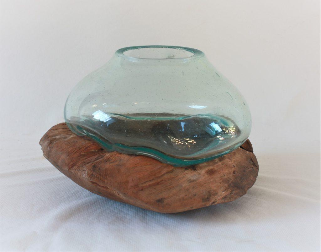 Glasvase auf einer wurzel einzigartige tischdeko sch nes for Wurzel deko garten